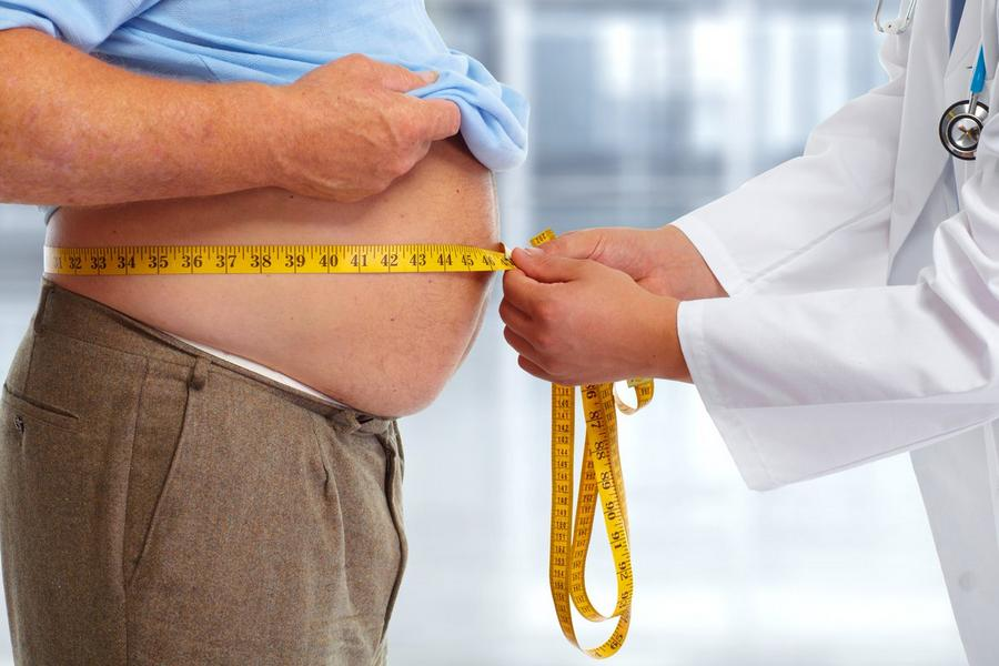 Sobrepeso e idade avançada são fatores de risco para COVID-19