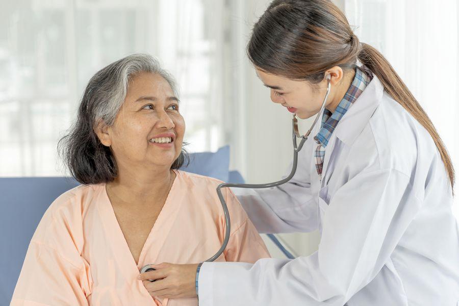 Retormada de procedimentos eletivos é essencial para a saúde do idoso
