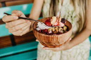 Boa alimentação para aliviar os sintomas da TPM
